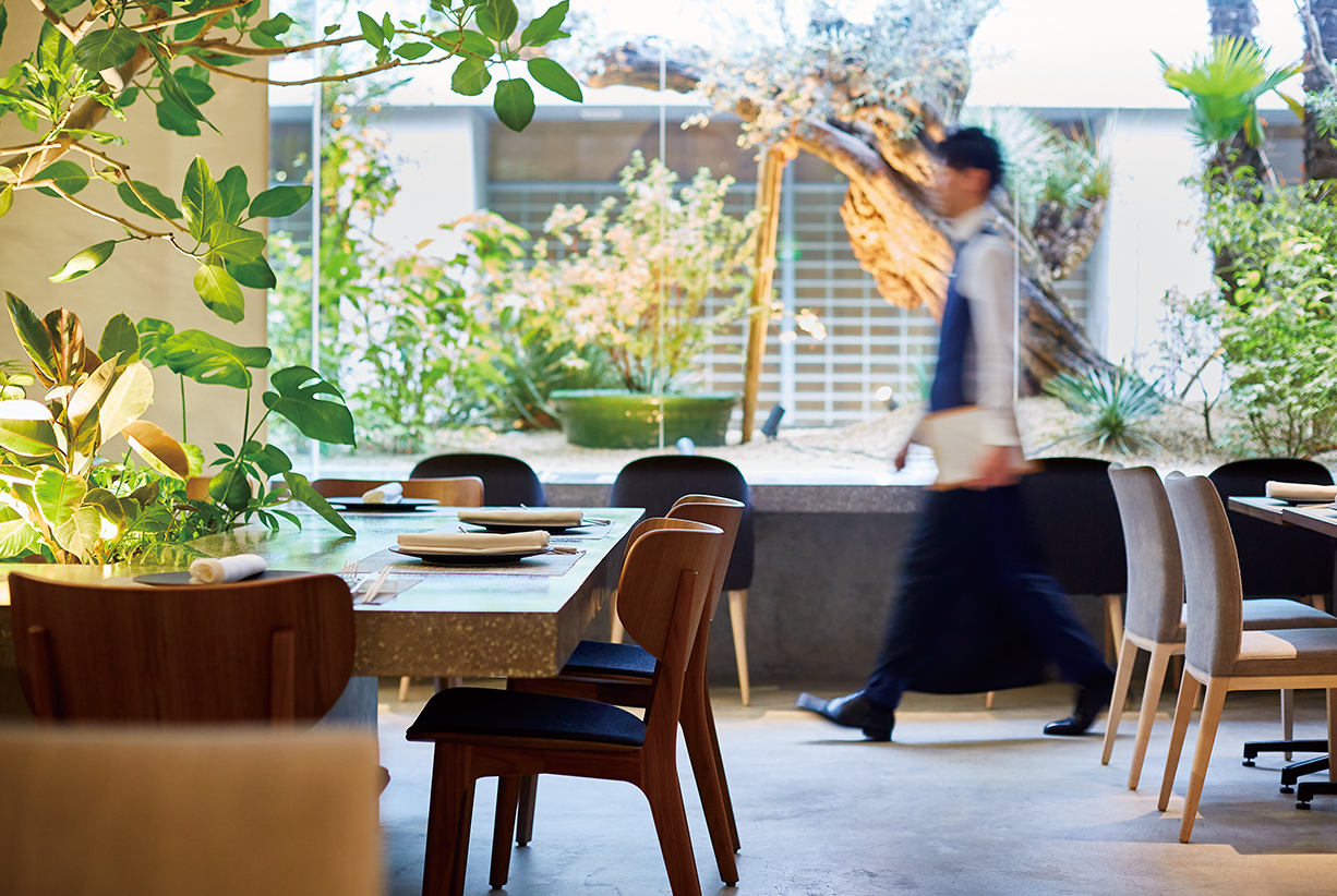 本格中華とお酒を嗜むハイエンドなレストランとしてこだわり、ミシュランを目指す店舗へリ・ブランディング
